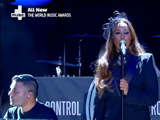 Naughty Boy feat Leona Lewis at The World Music Awards 2014